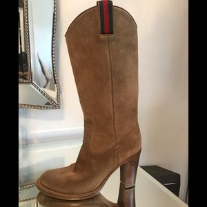 Gucci suede boots size 9